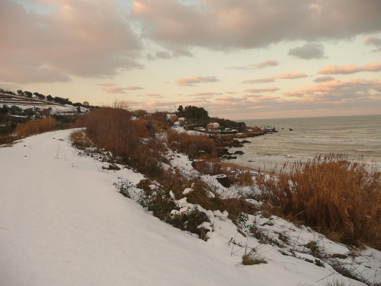Foto Neve e  Mare: Costa abruzzese, Vasto (Ch)-p1040015.jpg