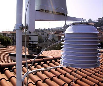 Autocostruzione schermi solari-100-0009_img_3.jpg