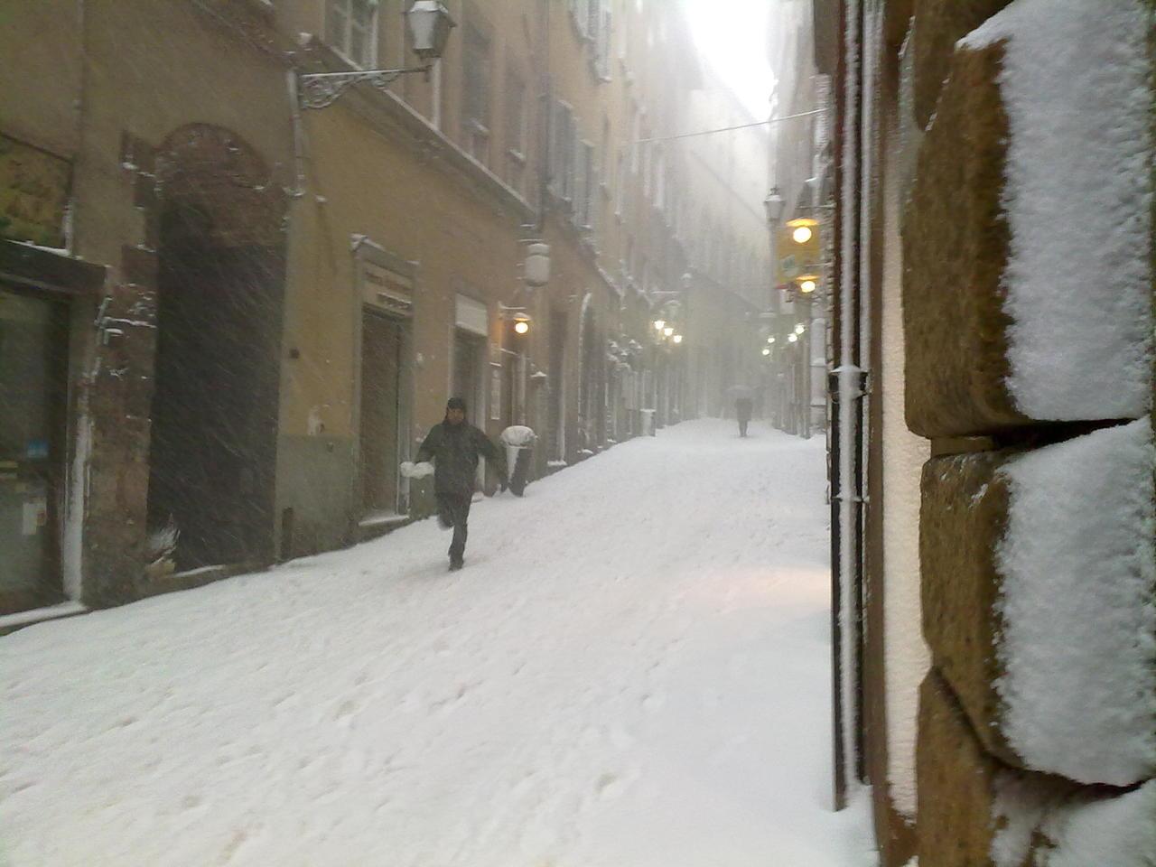 Volterra fotoreportage neve 9/10 marzo 2010..l'apoteosi nevosa!!-foto-neve-volterra-9-10-marzo-2010-mattina-pomeriggio.jpg