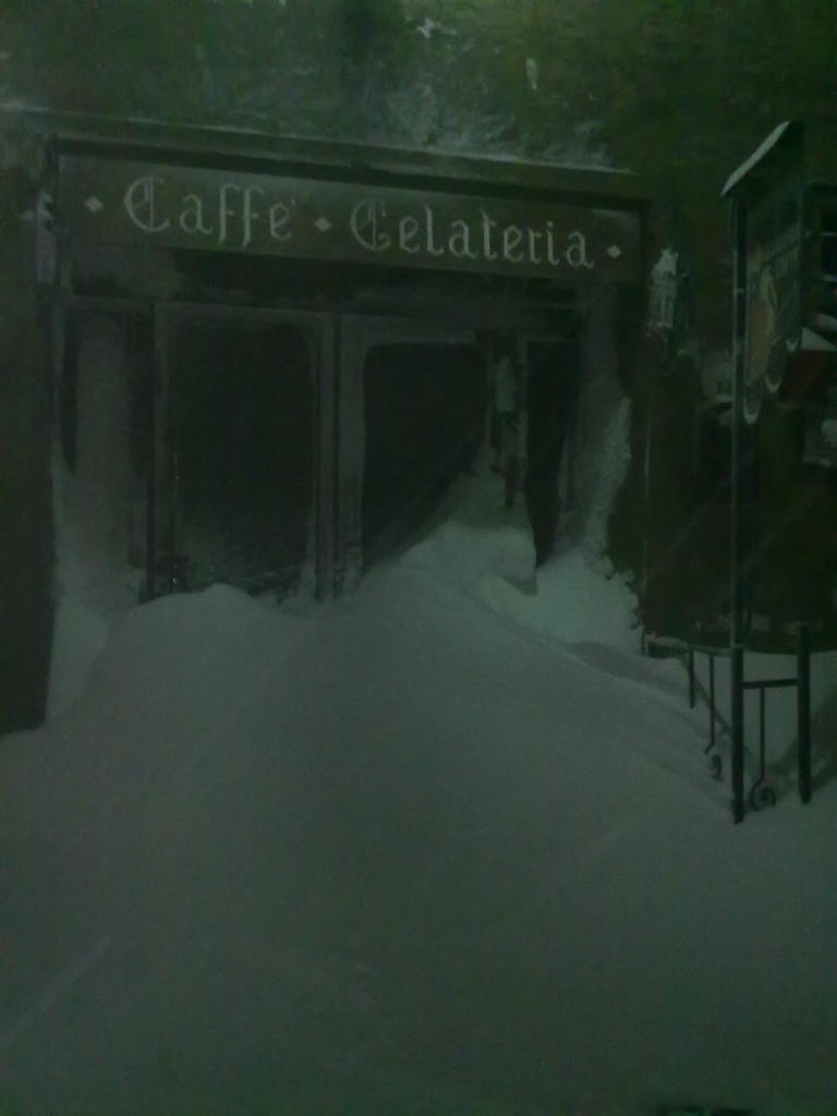 Volterra fotoreportage neve 9/10 marzo 2010..l'apoteosi nevosa!!-volterra-9-10-marzo-2010-sera-1-.jpg