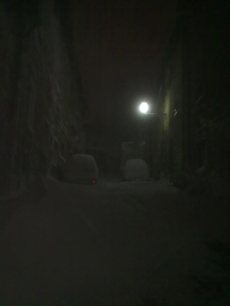 Volterra fotoreportage neve 9/10 marzo 2010..l'apoteosi nevosa!!-volterra-9-10-marzo-2010-sera-2-.jpg