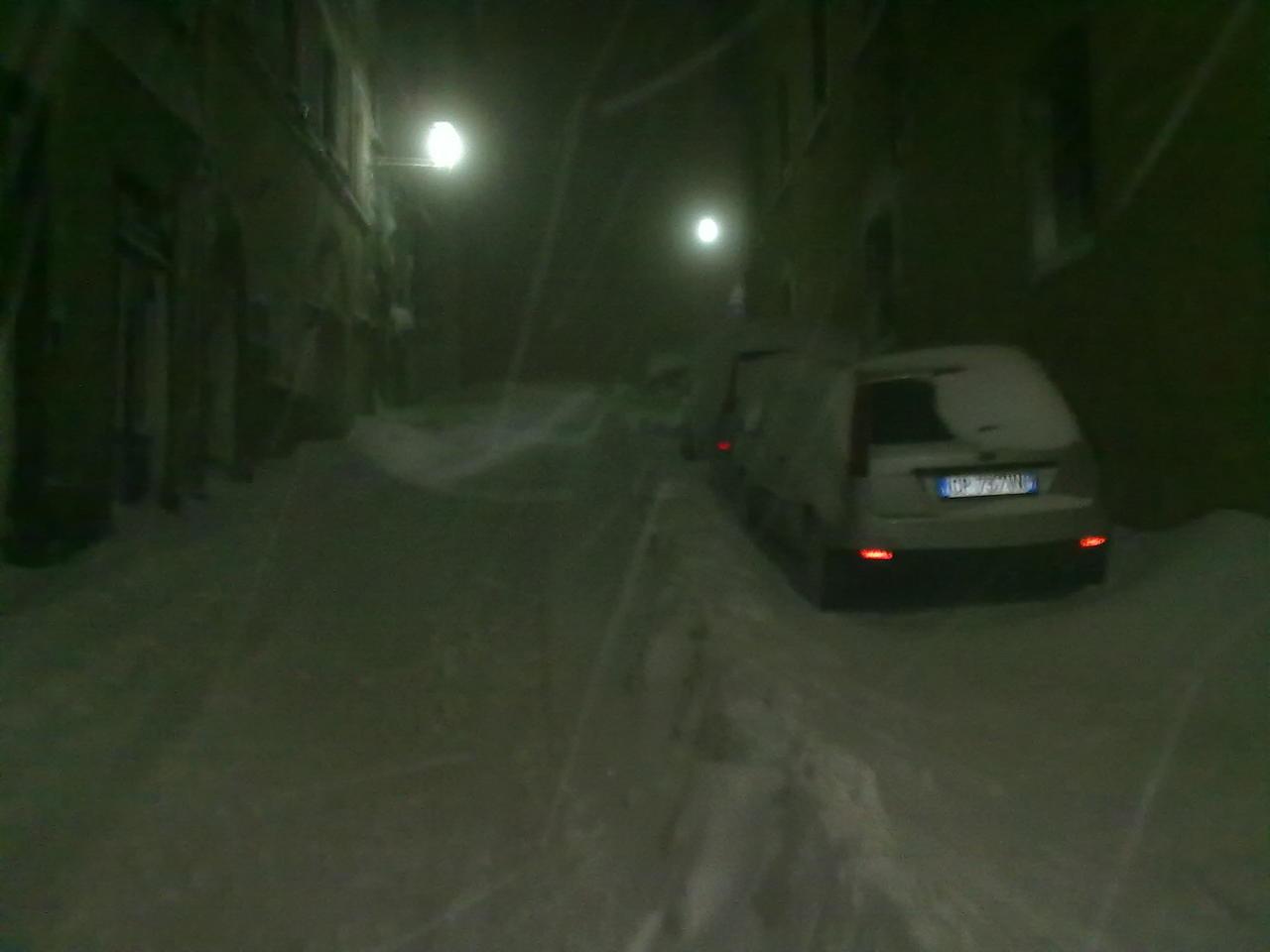 Volterra fotoreportage neve 9/10 marzo 2010..l'apoteosi nevosa!!-volterra-9-10-marzo-2010-sera-7-.jpg