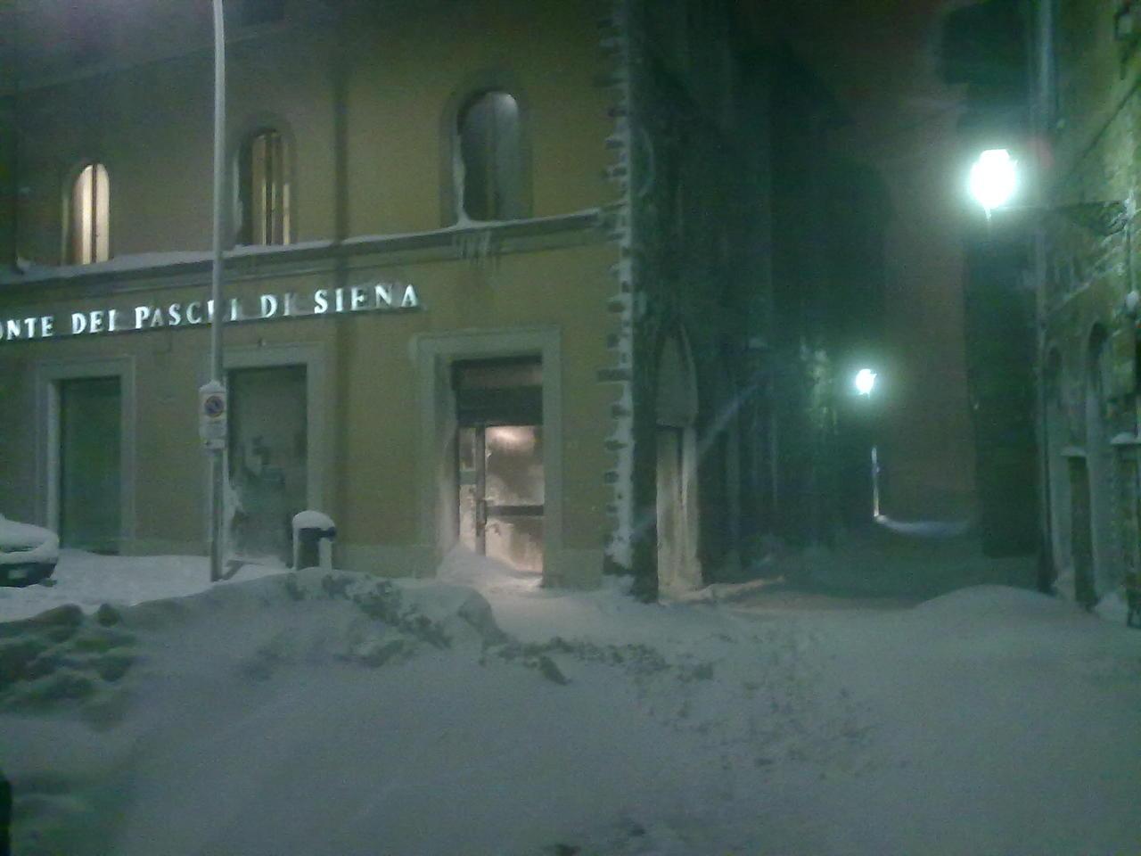 Volterra fotoreportage neve 9/10 marzo 2010..l'apoteosi nevosa!!-volterra-9-10-marzo-2010-sera-12-.jpg