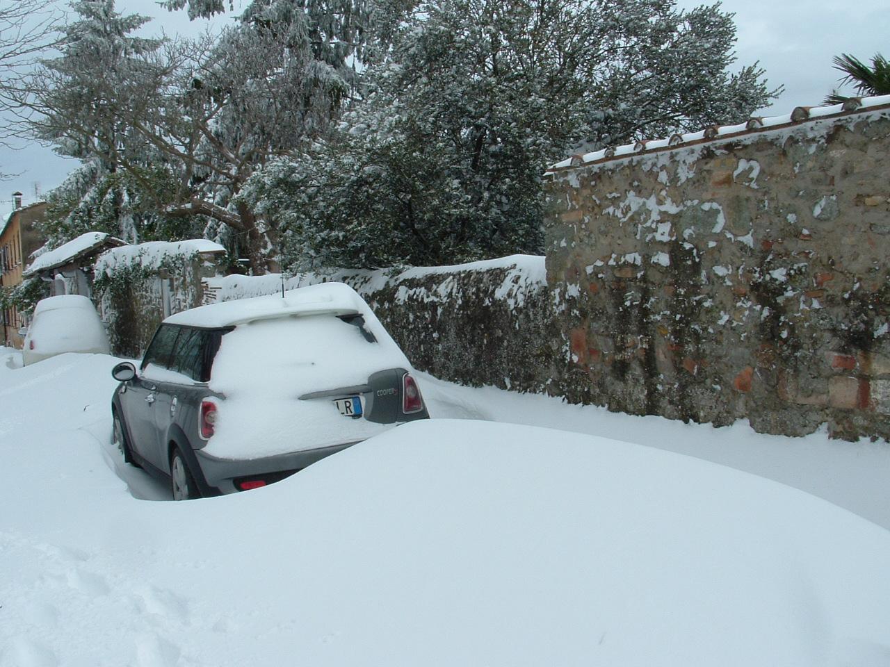 Volterra fotoreportage neve 9/10 marzo 2010..l'apoteosi nevosa!!-foto-mattina-volterra-10-marzo-2010-7-.jpg