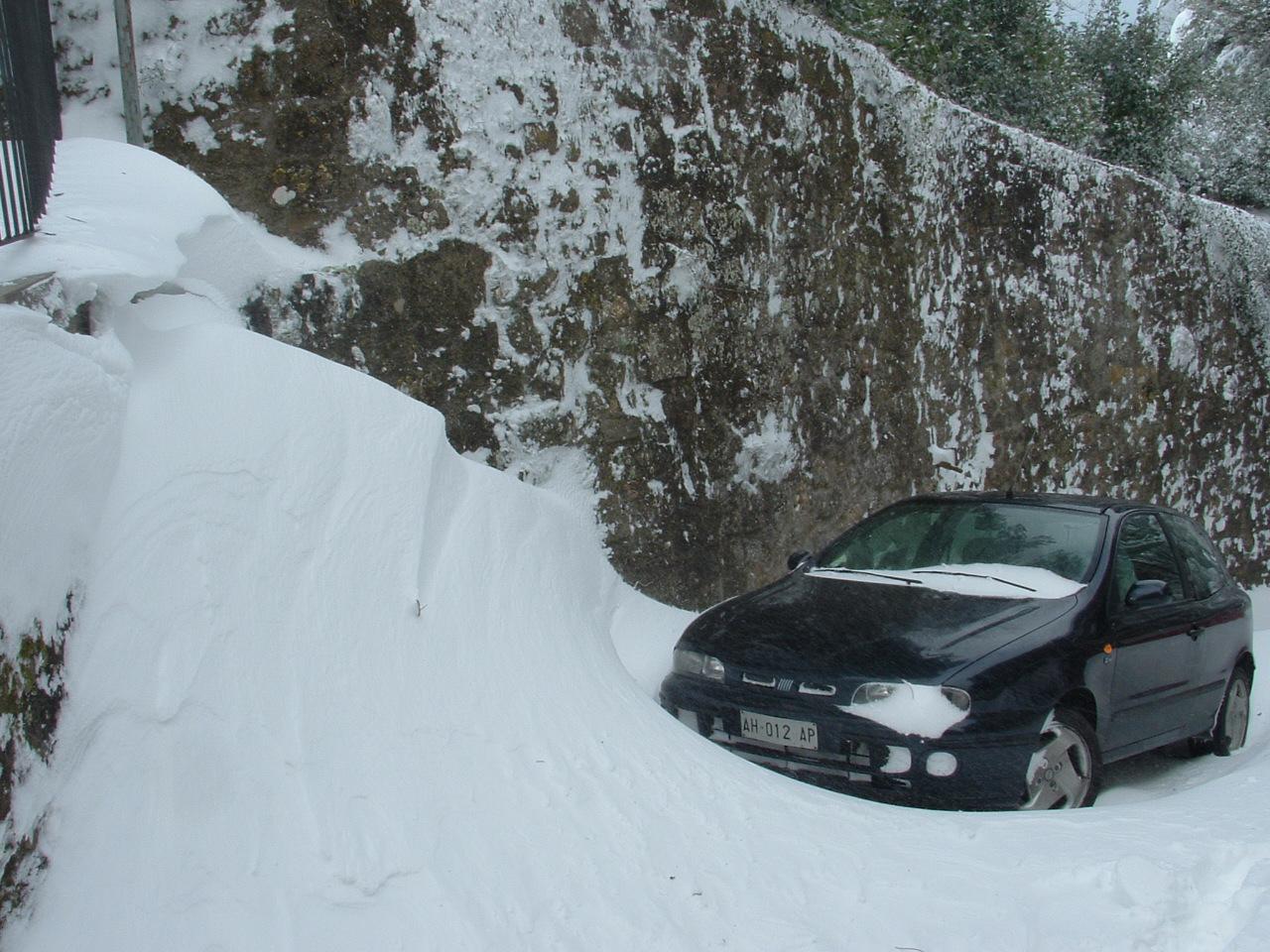 Volterra fotoreportage neve 9/10 marzo 2010..l'apoteosi nevosa!!-foto-mattina-volterra-10-marzo-2010-9-.jpg