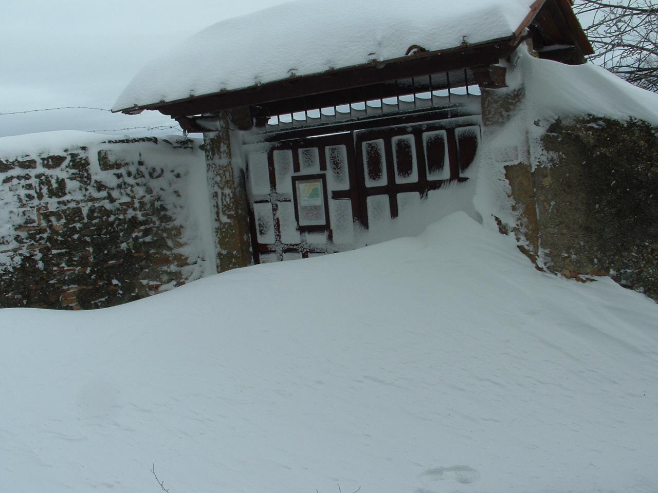 Volterra fotoreportage neve 9/10 marzo 2010..l'apoteosi nevosa!!-foto-mattina-volterra-10-marzo-2010-10-.jpg
