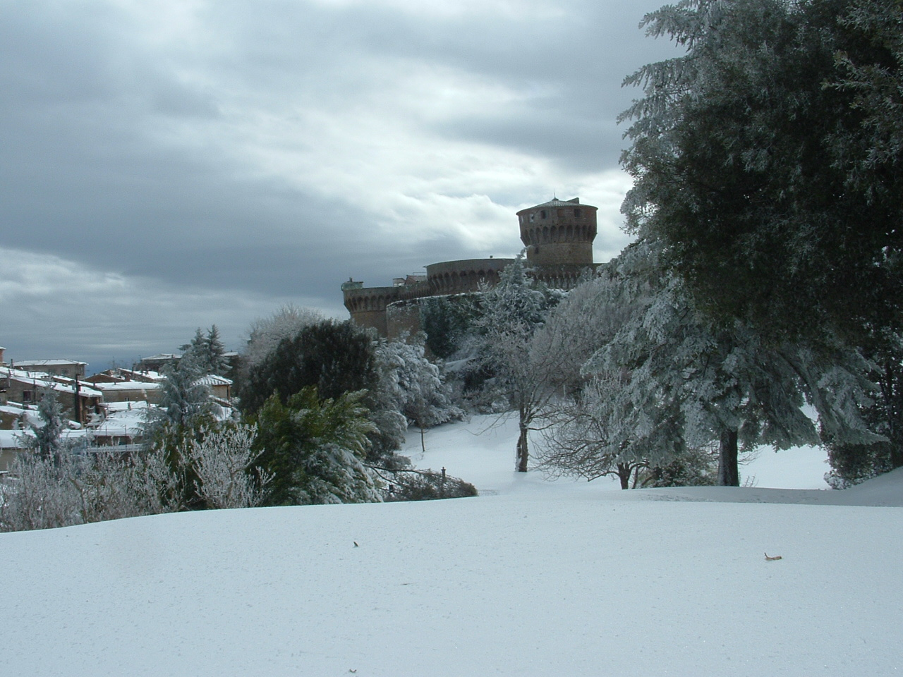Volterra fotoreportage neve 9/10 marzo 2010..l'apoteosi nevosa!!-foto-mattina-volterra-10-marzo-2010-2-6-.jpg