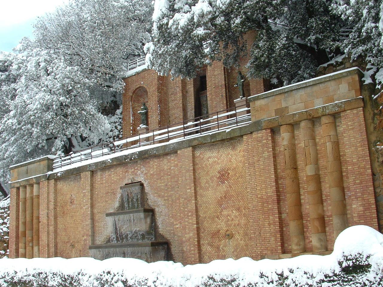 Volterra fotoreportage neve 9/10 marzo 2010..l'apoteosi nevosa!!-foto-mattina-volterra-10-marzo-2010-2-12-.jpg