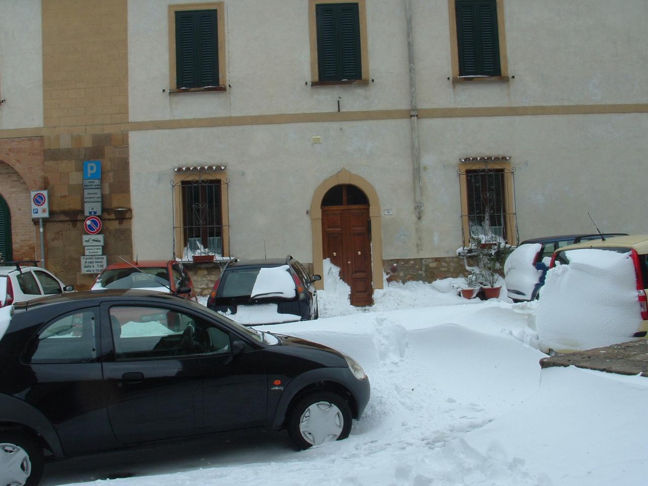 Volterra fotoreportage neve 9/10 marzo 2010..l'apoteosi nevosa!!-foto-mattina-volterra-10-marzo-2010-2-17-.jpg