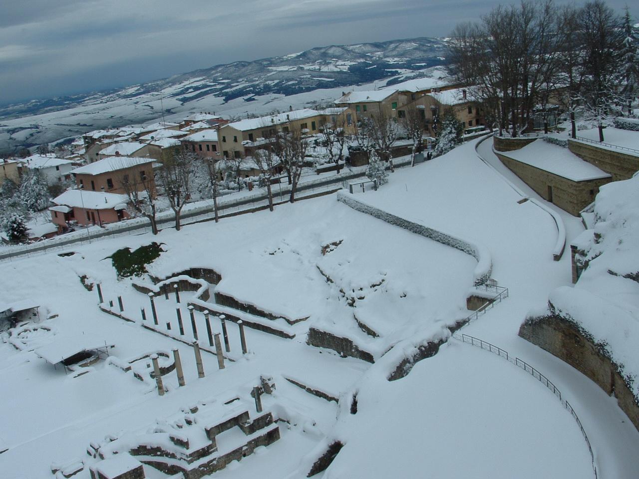 Volterra fotoreportage neve 9/10 marzo 2010..l'apoteosi nevosa!!-foto-mattina-volterra-10-marzo-2010-2-20-.jpg