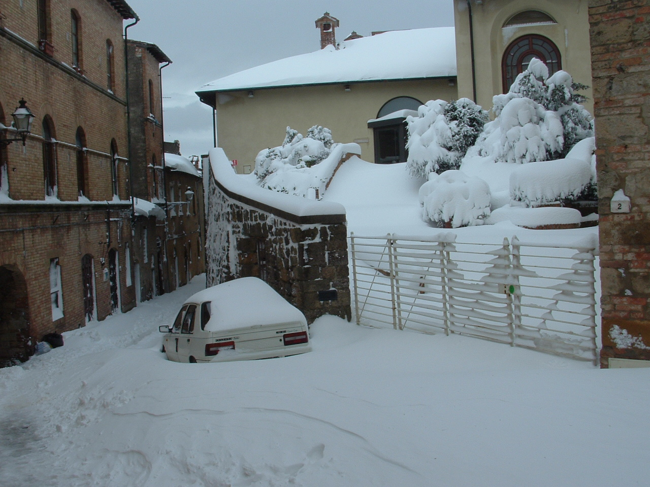 Volterra fotoreportage neve 9/10 marzo 2010..l'apoteosi nevosa!!-foto-mattina-volterra-10-marzo-2010-2-22-.jpg