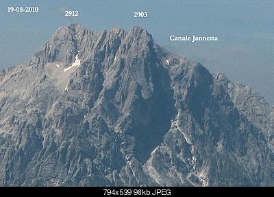 Situazione Nevai swettore Camicia Prena - Gran Sasso d'Italia - 12 agosto 2010-cam4.jpg