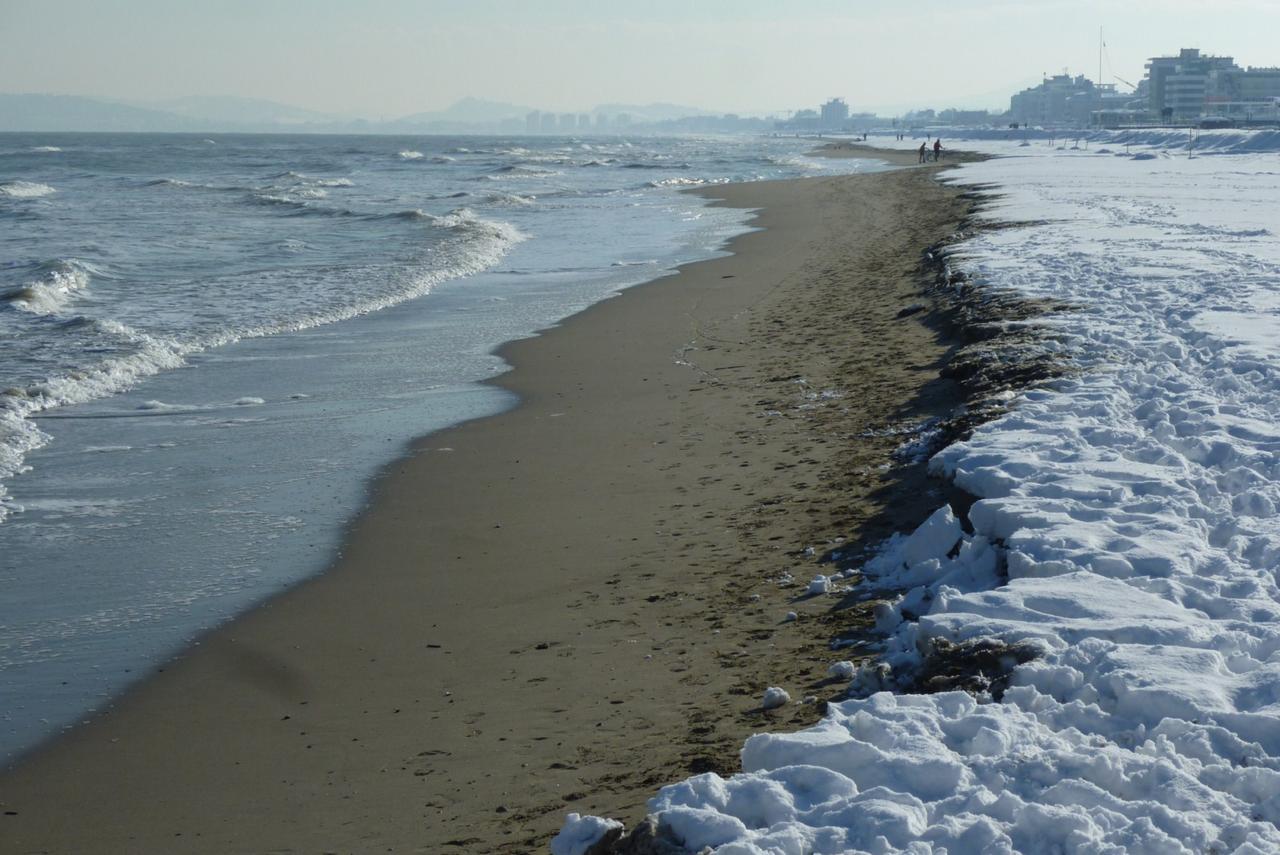 dal 15 al 18 dicembre mondoneve sulla costa riminese fino a cattolica....-p1080043-1600x1200-.jpg