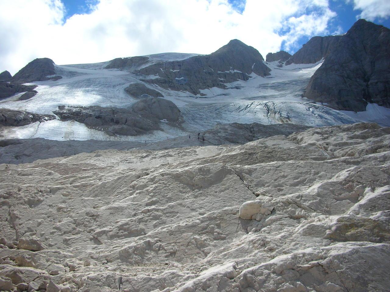 Il calo del ghiacciaio della Marmolada-settembre-2011-2-.jpg