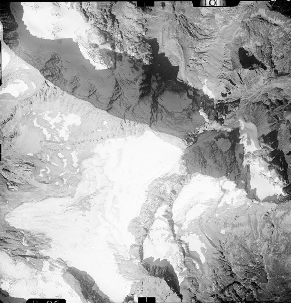 Vecchie foto aeree dei ghiacciai delle Alpi Graie (2/5)-levanna-26.09.1967.jpg