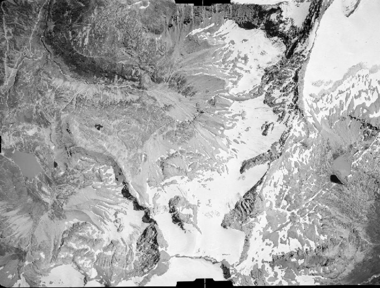 Vecchie foto aeree dei ghiacciai delle Alpi Graie (2/5)-carro-26.08.1948.jpg