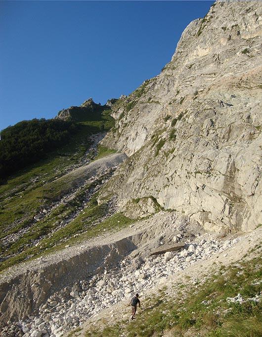 Situazione Nevai swettore Camicia Prena - Gran Sasso d'Italia - 12 agosto 2010-dsc08288.jpg