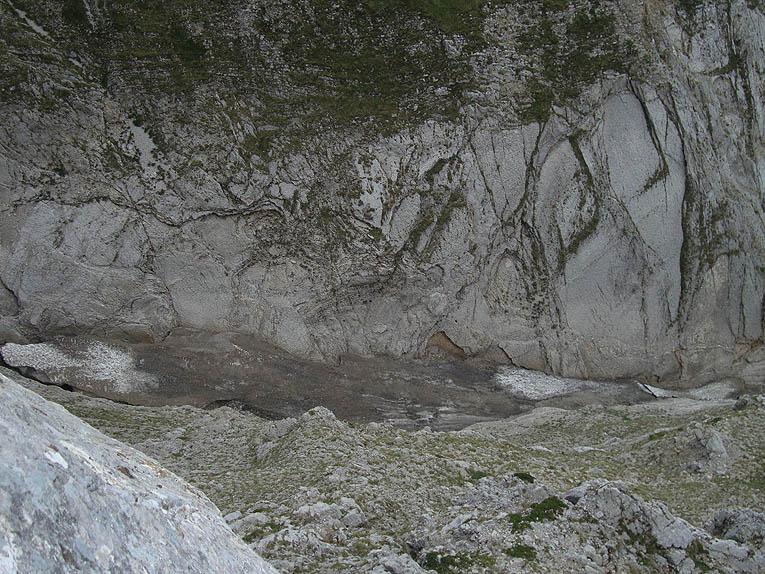 Situazione Nevai swettore Camicia Prena - Gran Sasso d'Italia - 12 agosto 2010-dsc08830.jpg