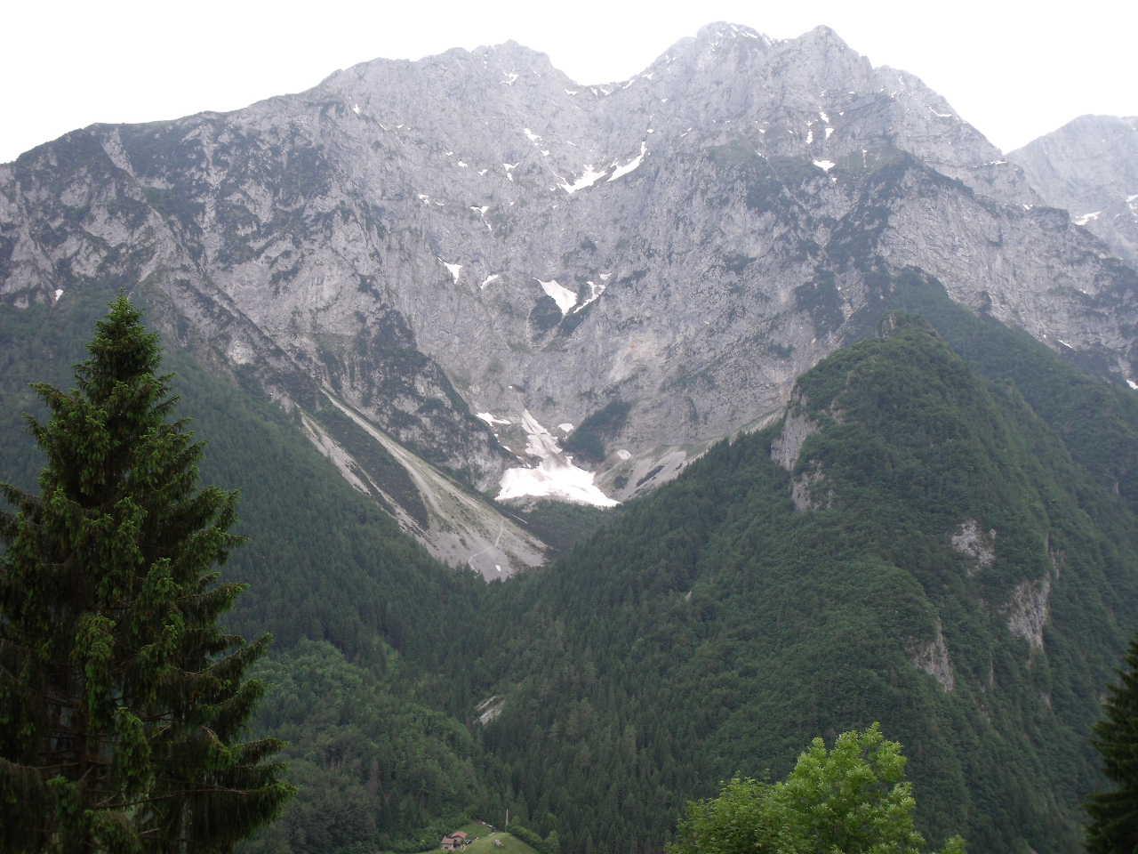 Situazione Nevai swettore Camicia Prena - Gran Sasso d'Italia - 12 agosto 2010-dscf0132p.jpg