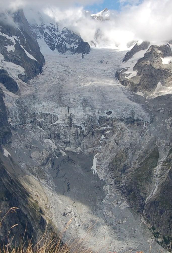 Il Ghiacciaio della Brenva (tesina as.2011/2012)-brenva-2008-dalla-stazione-fotografica-vetta-m.chetif-mb-14-11-.jpg