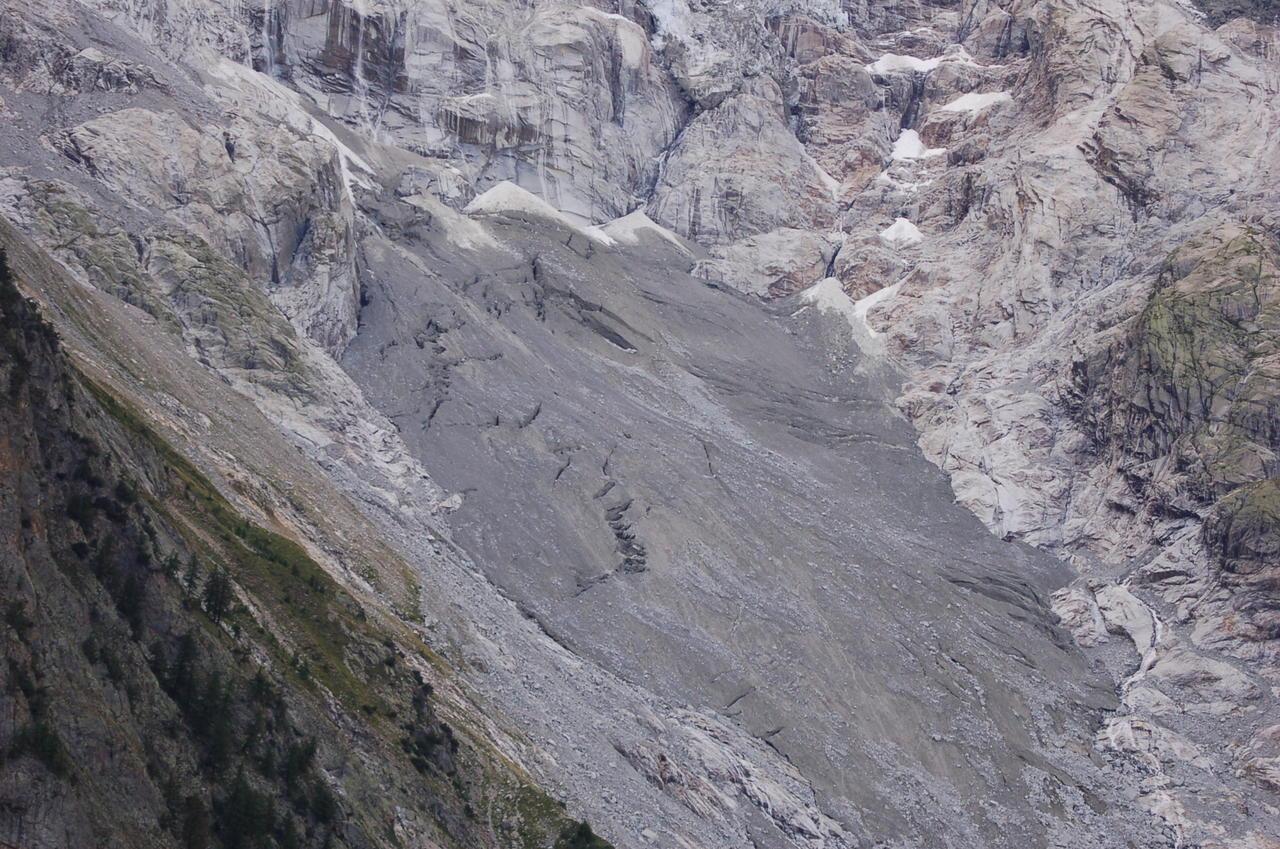 Il Ghiacciaio della Brenva (tesina as.2011/2012)-br4095-1.jpg