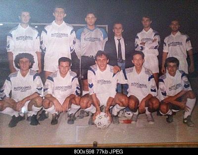 fatevi vedere in foto..ORA-squadra-calcio-1990.jpg