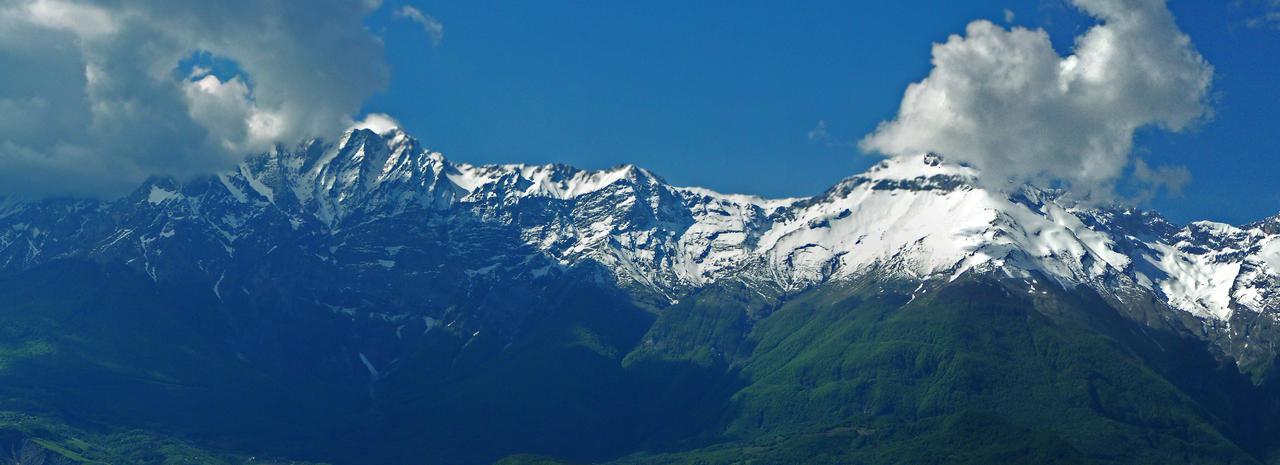 Situazione Nevai swettore Camicia Prena - Gran Sasso d'Italia - 12 agosto 2010-panoramica_camicia-prena.jpg