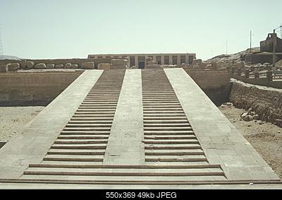 Monumenti megalitici e tecniche di costruzione-abydos01.jpg