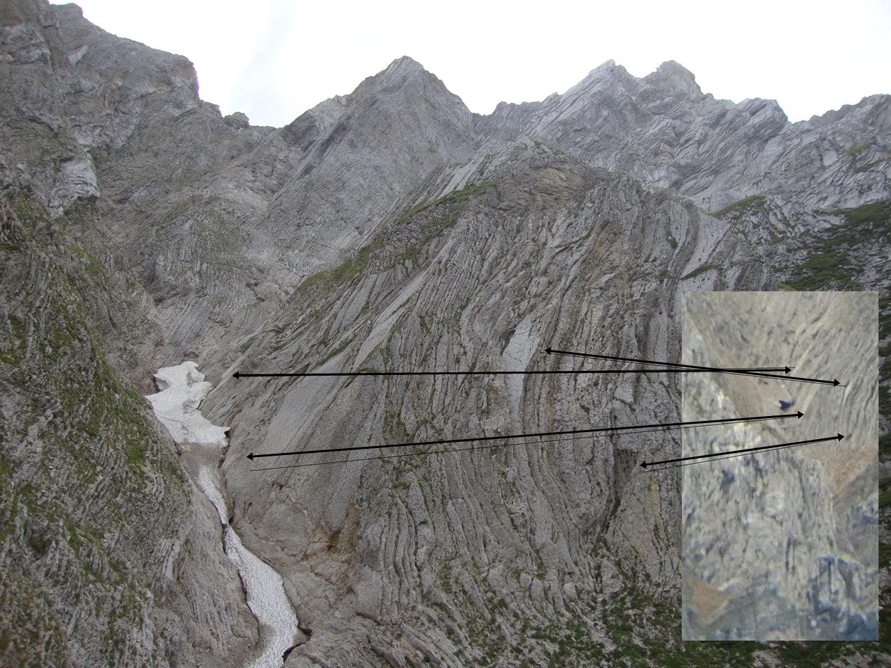 Situazione Nevai swettore Camicia Prena - Gran Sasso d'Italia - 12 agosto 2010-dsc01950.jpg