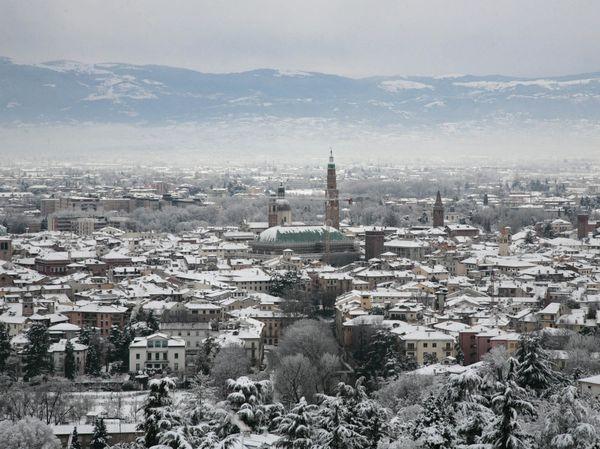 Veneto centro-settentrionale Inverno 2016-17-vicenza-neve.jpg