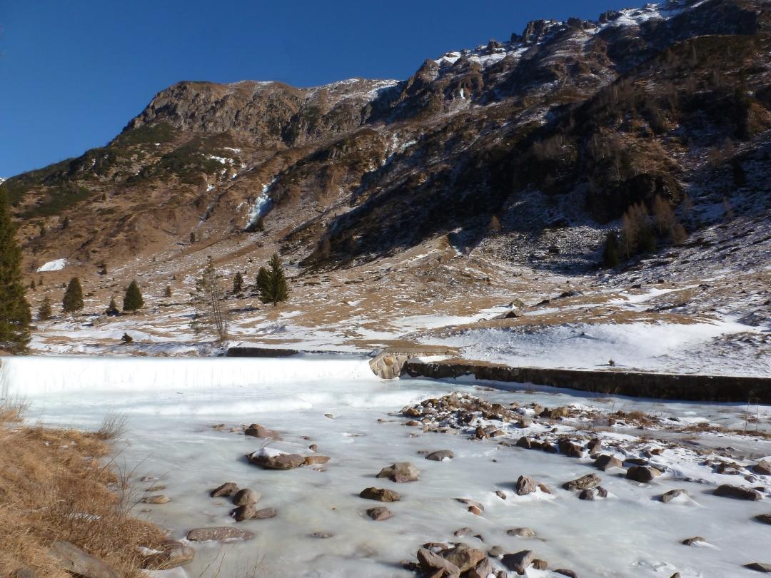 Nowcasting nivo-glaciale inverno 2016/2017-p1040064-torrente-bondione.jpg