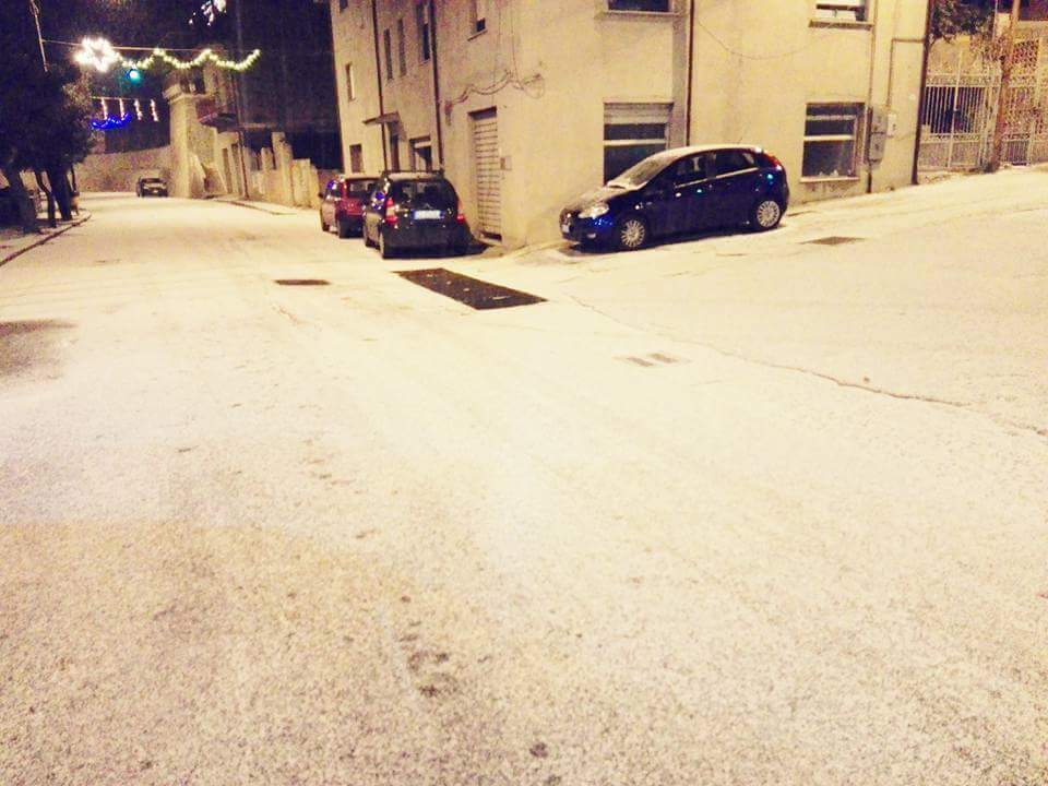 Gelo e neve d'Epifania 2017_qui tutte le FOTO e i VIDEO-15871597_1515186075161744_2432858951550712139_n.jpg