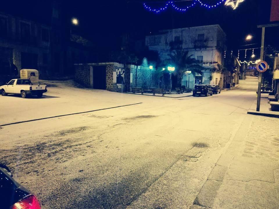 Gelo e neve d'Epifania 2017_qui tutte le FOTO e i VIDEO-15940685_1515186028495082_81606545807451560_n.jpg