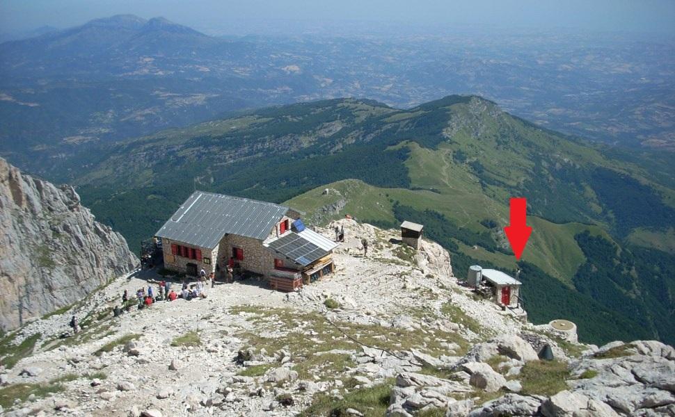 Ghiacciaio del Calderone in agonia-stazione2.jpg