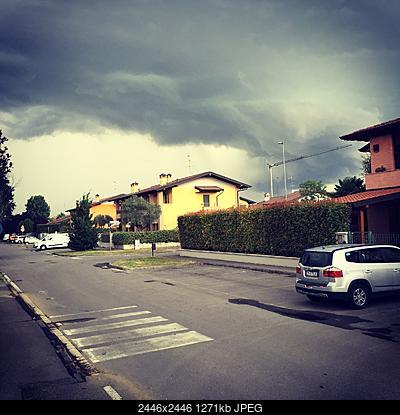 Temporale del 06.06.17 che avanza con la sua shelf cloud lungo la pedemontana bergamasca-temporale-shelf-cloud-06.06.17.jpg