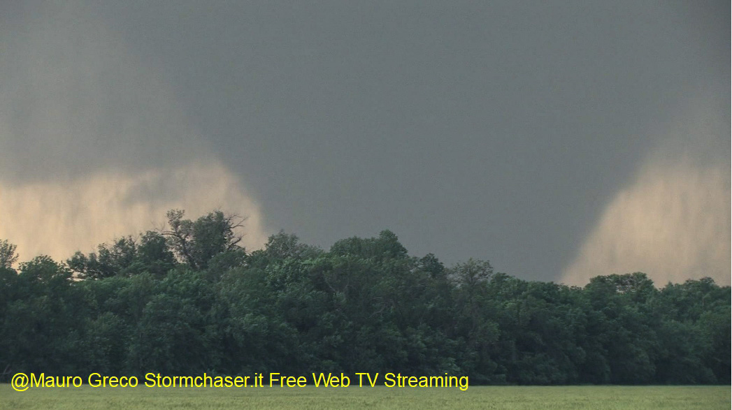 Free Storm Chasers Web TV Live-video-2013-4_edited3.jpg