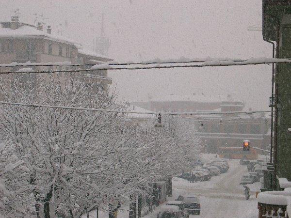 Burgos - Spagna. Quando si dice neve (link)-nevicata-27-01-2006-foto-8.jpg
