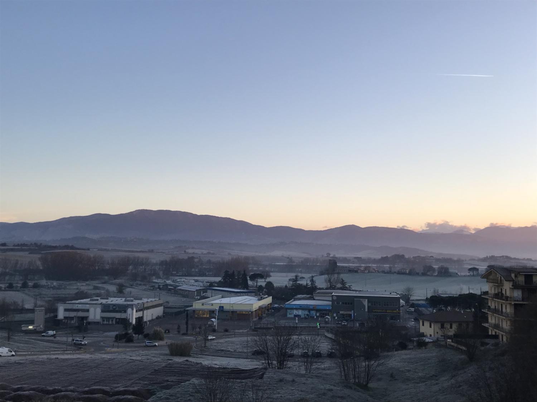 LAMMU nowcasting 90% nuvole sterili 10% fiocchi (forse) 14 febbraio 2018-img_2608.jpg
