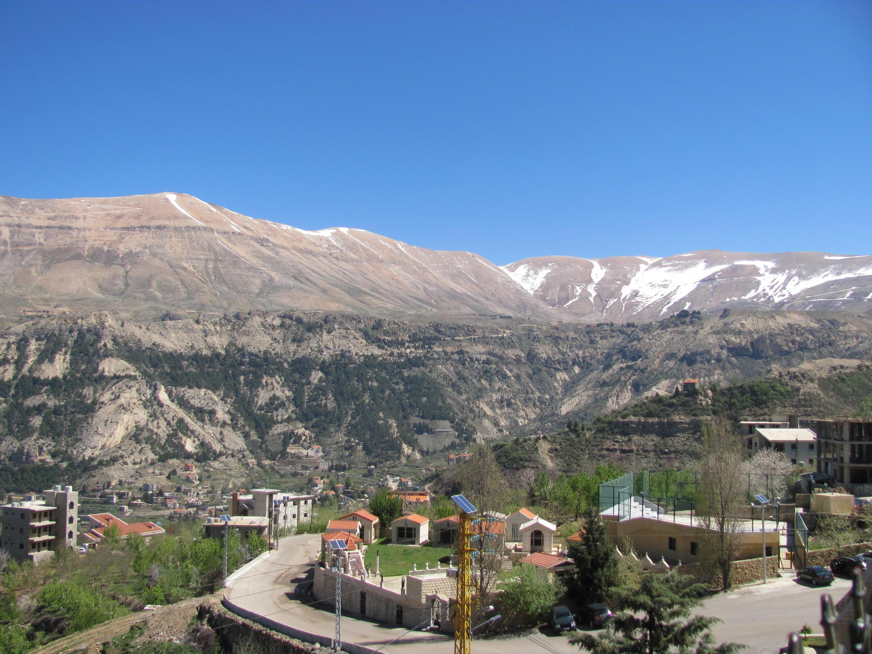 Catena del Libano - Situazione neve attraverso le stagioni-cedri-bqaakafra-aprile-2018-cam-010.jpg