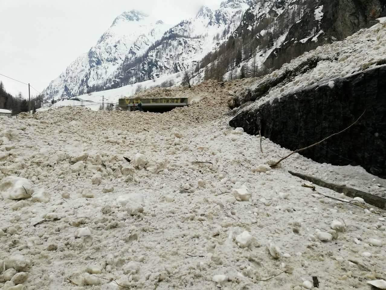 Valle d'Aosta - Primavera 2018-received_10214433681190014.jpeg