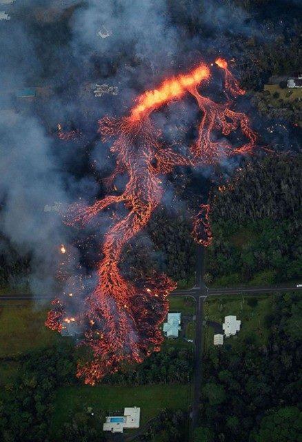 Eruzione vulcano Kilauea - Maggio 2018-31956641_1689582517798600_7956467005064740864_n.jpg
