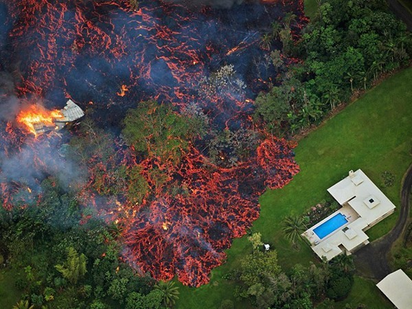 Eruzione vulcano Kilauea - Maggio 2018-32076325_1689582454465273_6935255835140423680_n.jpg