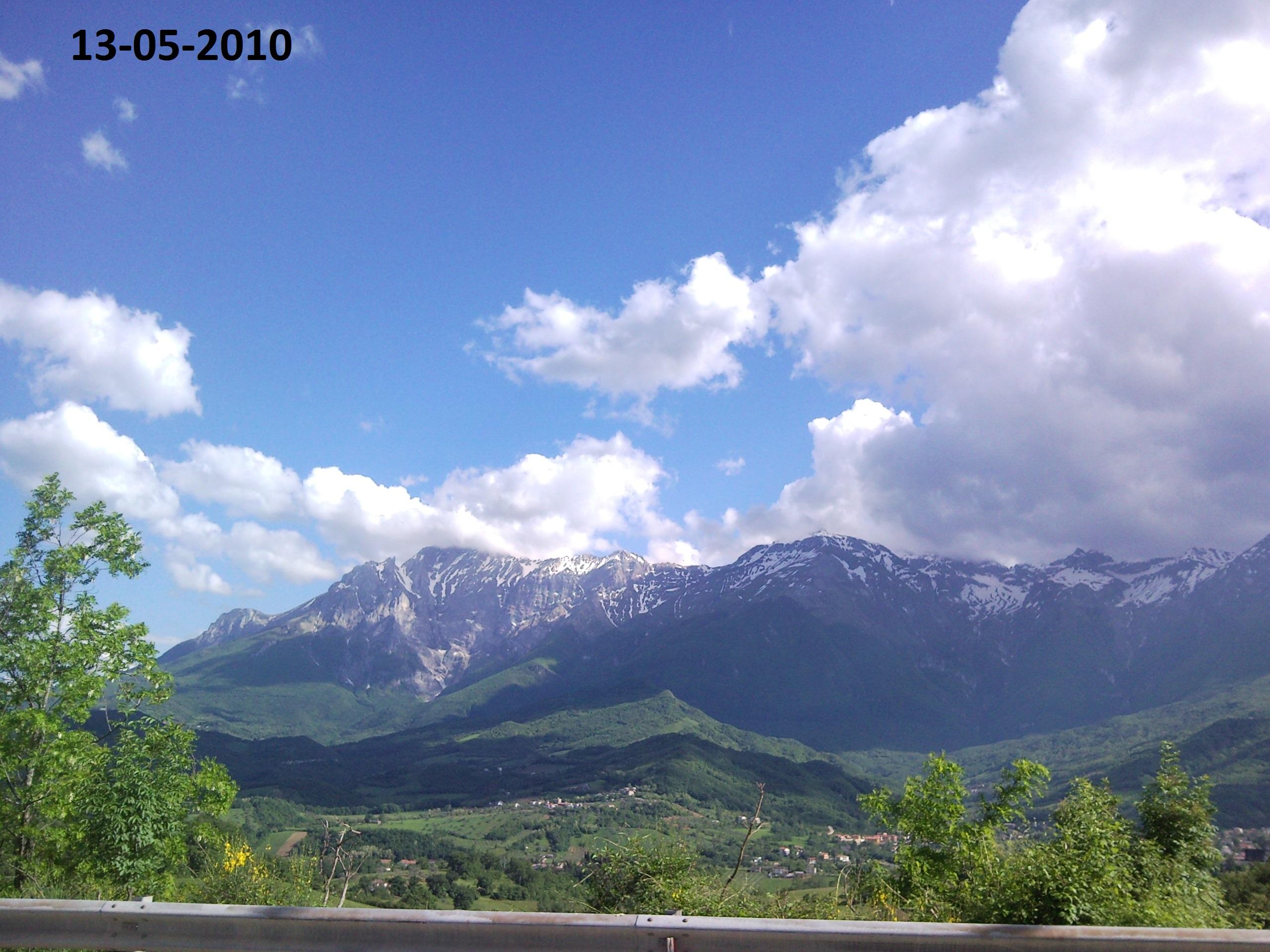 Situazione Nevai swettore Camicia Prena - Gran Sasso d'Italia - 12 agosto 2010-snc00224-copia.jpg