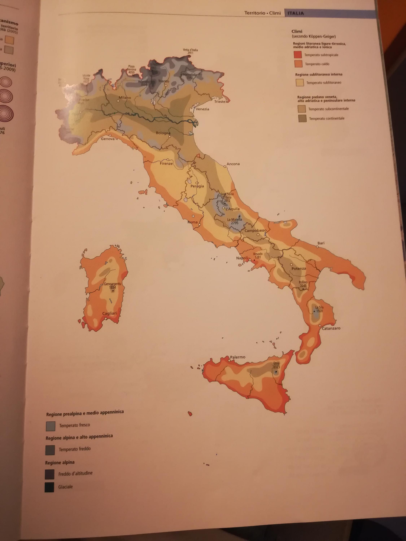 Cartine su Atlante Geografico De Agostini-img_20180519_205036.jpg