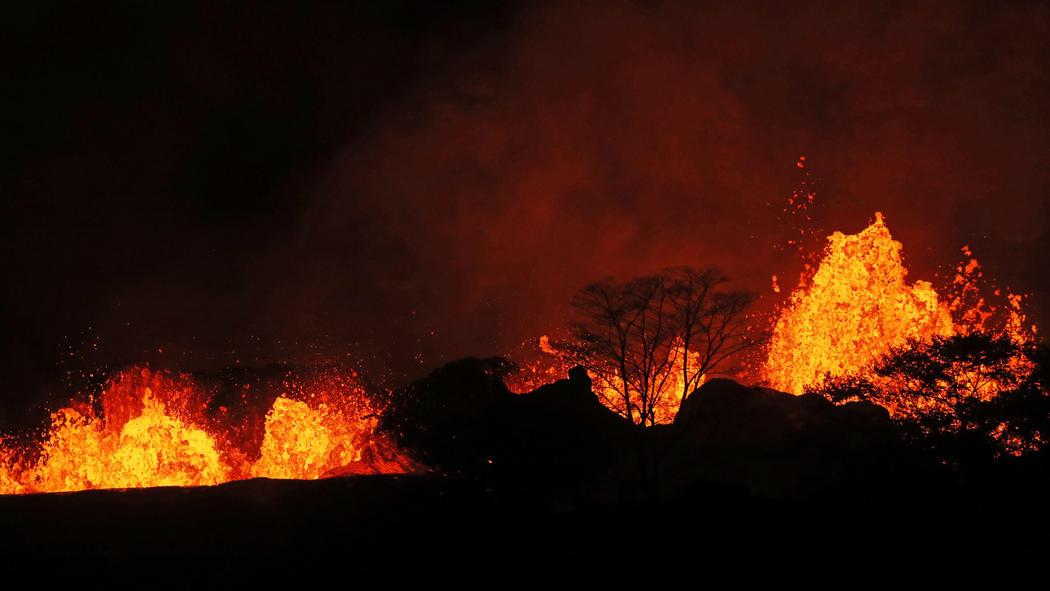 Eruzione vulcano Kilauea - Maggio 2018-ct-kilauea-volcano-erupts-20180504-051.jpg