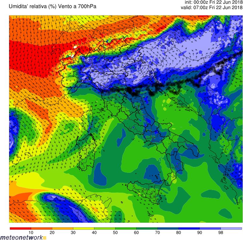 Fronte caldo - fronte freddo-wrf_italia_ur700hpa.000008.png