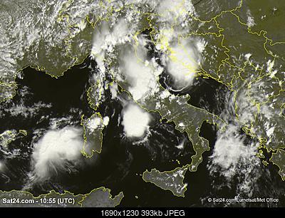 Formazione nuvolosa-image.jpg