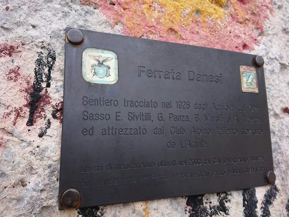 Corno Piccolo- Ferrata danesi + ferrata Ventricini.-ferrata-danesi-16-targa-metallica.jpg