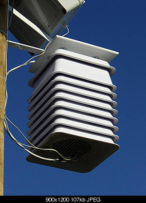 Autocostruzione schermi solari-cimg0169.jpg