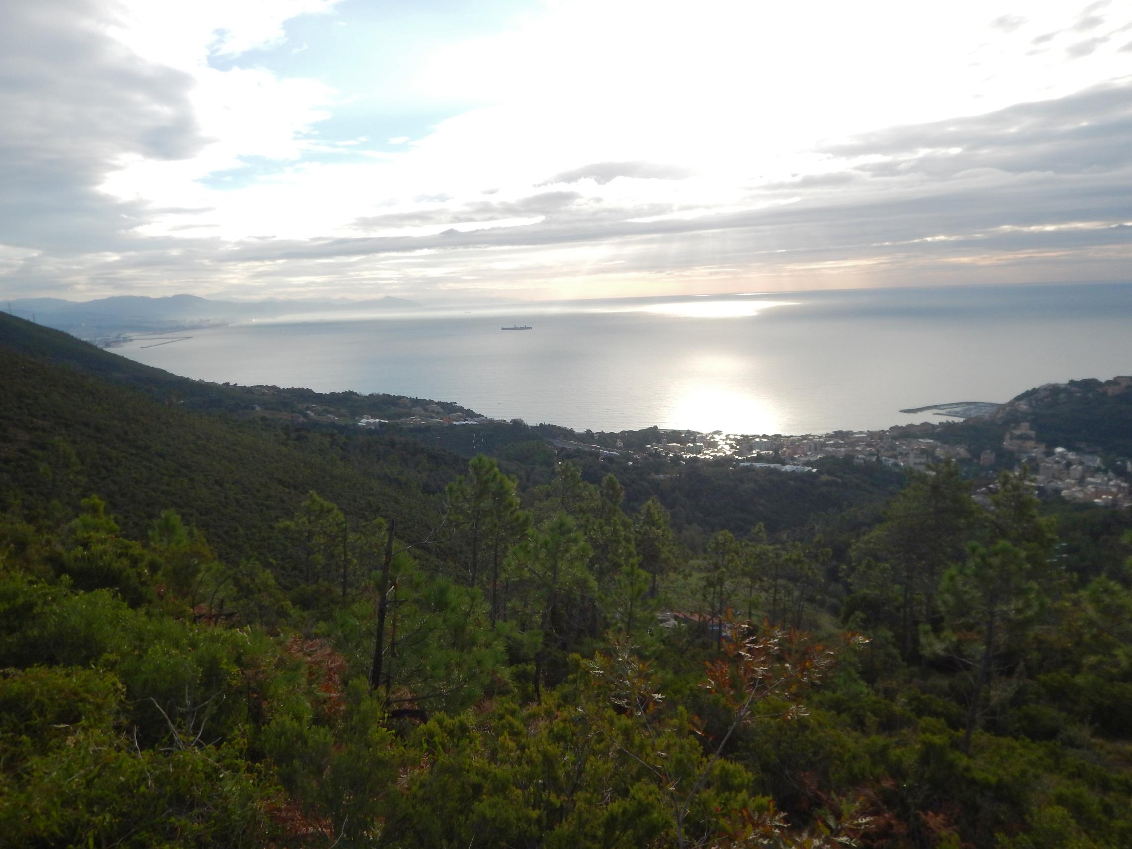 Parco naturale regionale del Beigua - Monte Reixa da Arenzano-1.jpg